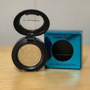 MAC Eyeshadow ~ Night Thrill